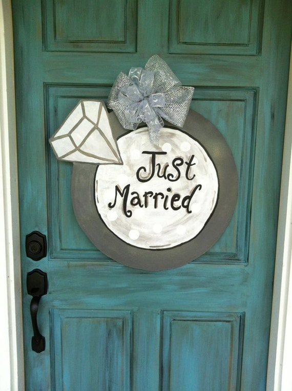 Just Married Announce to everyone Diamond Ring Door Hanger or Wall Decoration Wedding