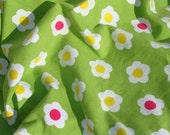 flower stretchjersey fabric green retro daisy style Miss Daisy Fräulein Gänseblüm