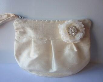 Wedding / Bridal / Bridesmaid Clutch - Ivory Clutch Purse - Stardust Brooch Bridesmaid Purse