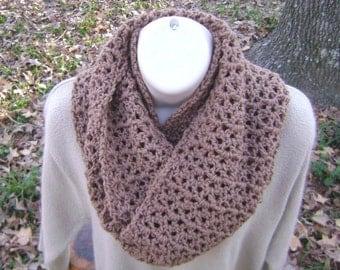 Crochet Infinity Cowl Scarf Mobius Neck Scarf Warm Brown Men Women Teen