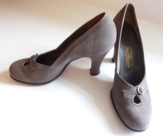 Beautiful Vintage Grey Suede Women's Heels 1950's Size 6 1/2 AA Shoes - Made by I. Miller Expressly for Meier & Frank Portland, OR