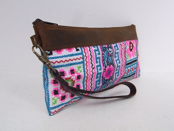 Hill Tribe Wristlet HMONG Vintage Fabric Leather Trim Fair Trade Thailand (BG282S.803%)