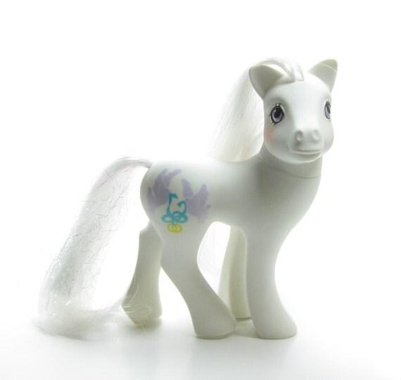 My Little Pony Wedding: My Little Pony Bride G1 Vintage White Playset Pony Wedding