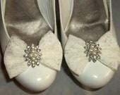 Bridal Lace Shoe Clips, Ivory Shoe Clips,Shoe Clips,Wedding Shoe Clips,Cips for Bridal Shoes Wedding Shoes, Gifts for Her, Bridal Accessory