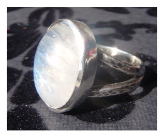 SALE - Rainbow Moonstone Ring - Sterling Silver (925)