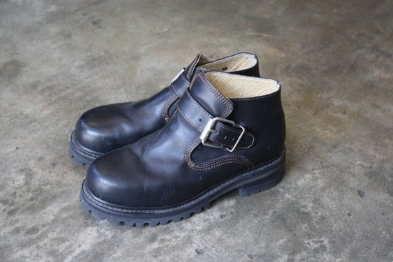 vintage 90s GRUNGE GOTH mens ankle combat buckle boots size 10.5