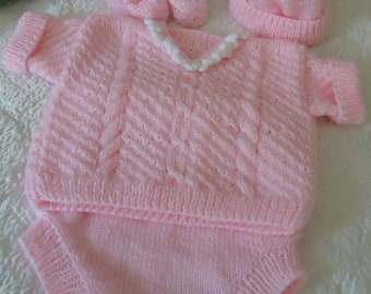Hand knitting Set in white and pink