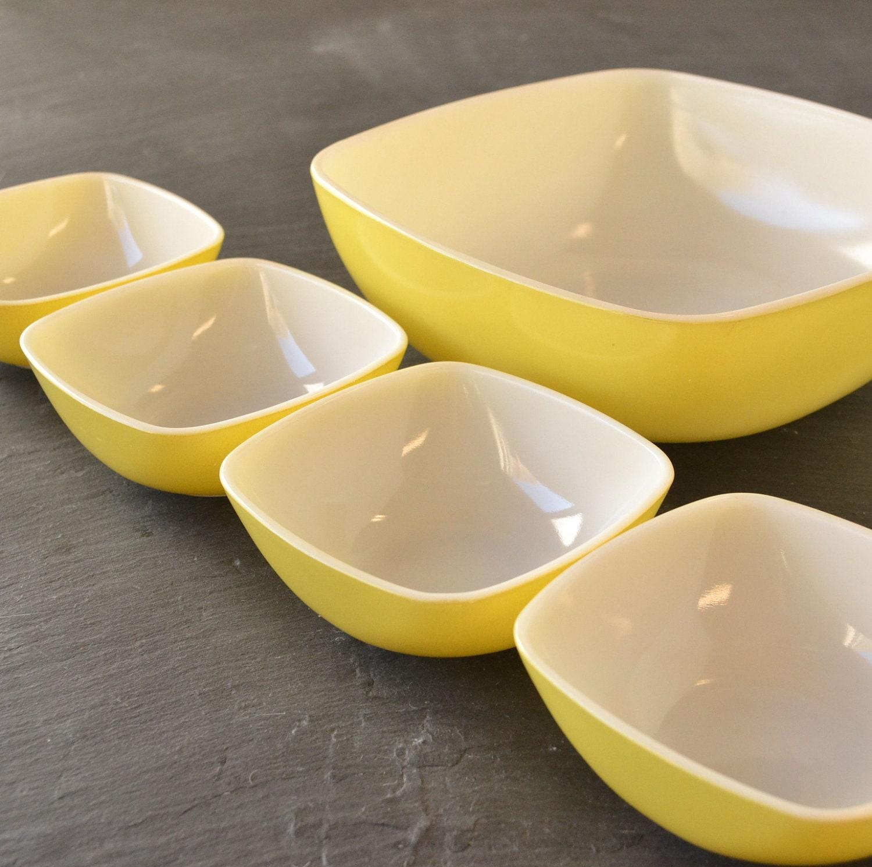 Vintage Pyrex Yellow Hostess Set Square Bowls Yellow