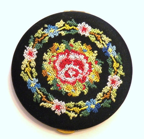 Vintage Powder Compact Lin Bren Petit Point  Powder Puff Mirror Compact