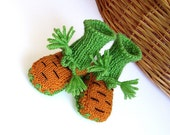 """Hand knit Baby  """"Carrots"""" booties , orange baby knitted shoes /6-9M"""