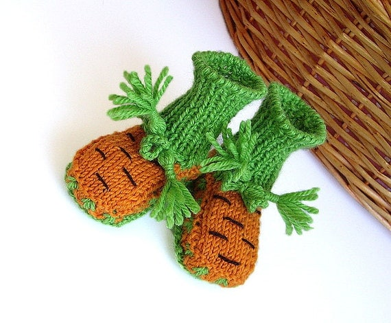"Baby ""Carrots"" booties/ 0-3month"