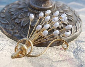 vintage gold tone FRESH WATER pearls brooch pin Mothers day gift