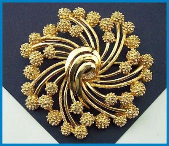 "Vintage Trifari Brooch or Pin w Gold Metal Stippled Pom Pom Flowers Circle Motif 2"" CIJ Sale"