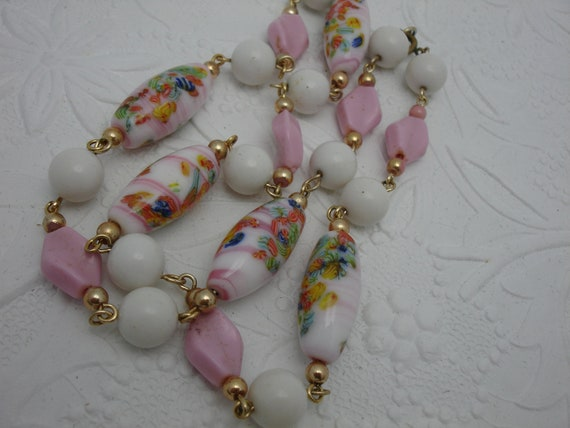 Vintage Pink Bead Vintage Necklace