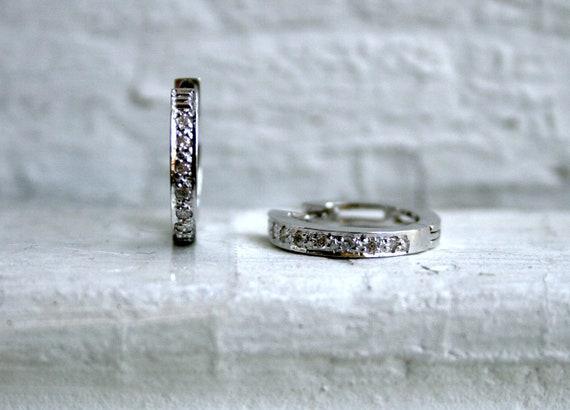 """Vintage 18K White Gold Diamond Hoop """"Huggie"""" Earrings - 0.14ct"""