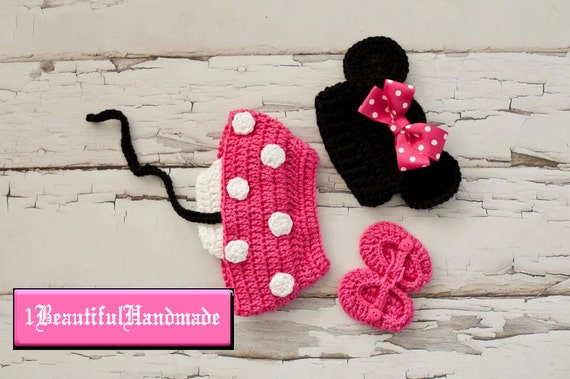 Minnie Mouse hat with pink  Bow Diaper Cover and Shoes to Match