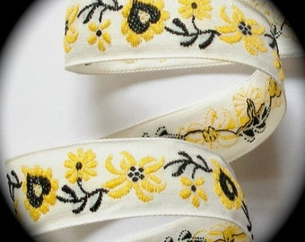 "Vintage Ribbon  - 1"" x 5  yds. Natural, Yellow and Black Flowers2"