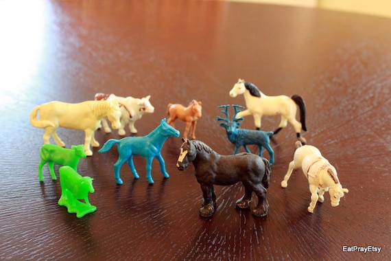 RESERVED FOR MARYLOU Vintage Plastic farm Animals toy Horses