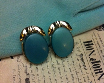 Vintage Silver Tone Blue Thermoset Plastic Clip On Earrings