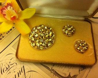 Vintage Gold Tone Rhinestone Brooch Pin & Matching Earrings Set