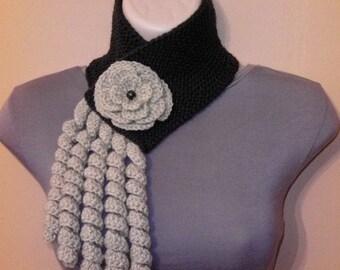 Knitted, Crochet Scarf Neckwarmer, Flower Brooch, Women brown beige, шарф, sjaal, bufanda, cachecol, sciarpa, Schal, foulard, echarpe