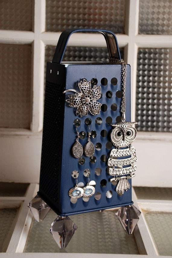 Cheese Grater Jewelry Holder, color Navy