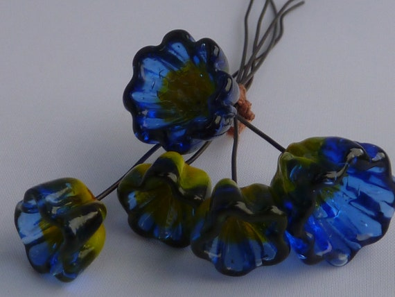 Bell Flower Lampwork Headpins. FREE SHIPPING .by Lori Davidson . Very Glassy Gifts