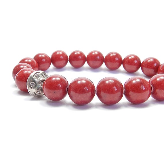 Red jade & sterling silver stretch bracelet