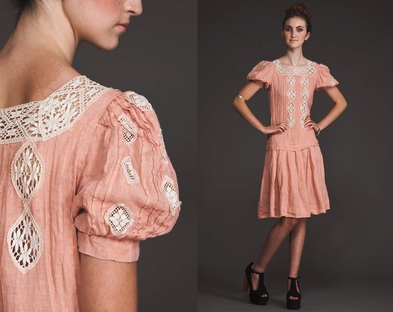 Lovely Edwradian vintage crochet Dress//Pale pink//drop waist//S M//pin tucked//80s does 20s