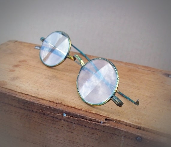 Vintage Spectacles, old round  brass wire rimmed glasses Antique eyeglasses c. early 1900s