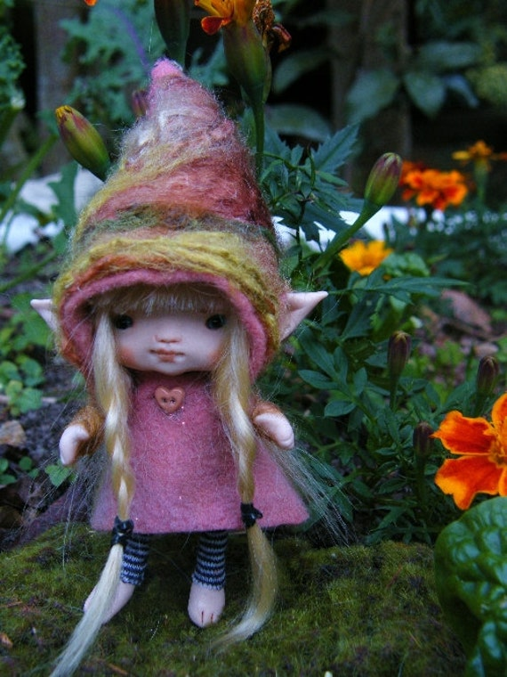 sweet blonde haired posable ooak fairy fairie elf tiny 3.5 inches