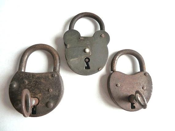 Vintage french Padlock . Antique Padlock .Collectibles .Supplies . Vintage lock. Industrial decor.Rustic .Primitive