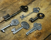 "6 Decorative ""Vintage"" Metal Keys - Group 6"
