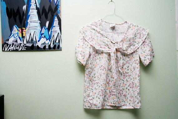HOLD FOR LORENE 1970s bibbed floral summer blouse // medium