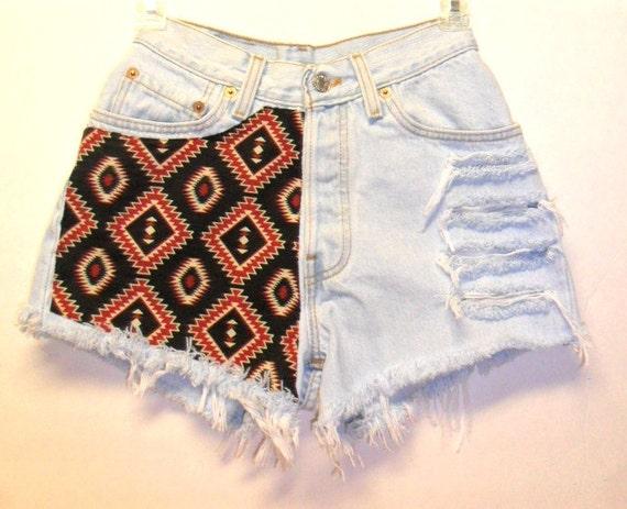 Vintage Levis High Waist   Denim Shorts Aztec Print  Waist 24   inches