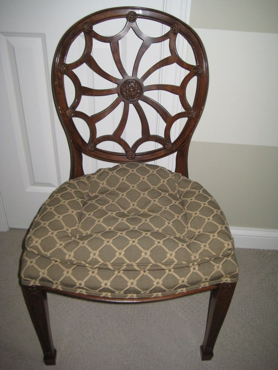 Wheel Back Hepplewhite Style Accent/Side Chair