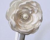 Ivory Rhinestone Pearl Elegant Flower Girl Headband/ Wedding Headband