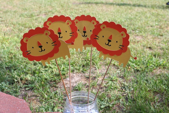 Set of 3 lion table decorations by angiesdesignz on etsy - Deco table jungle ...