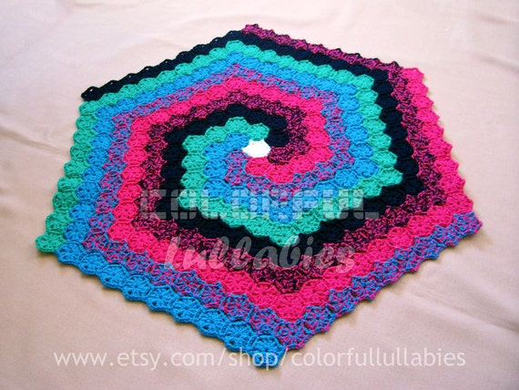 Crochet Hexagon Spiral Rug Pattern With Continuous Crochet