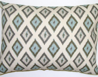 PILLOW.BLUE PILLOW.16x20, 16x24 or 12x20 inch Lumbar Pillow Cover.Decorative Pillows.Blue Ikat.Gray Ikat.Blue Pillow.Gray Pillow.Throw.cm