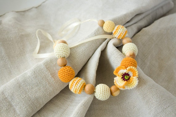 Yellow Poppy Nursing Necklace/Teething Necklace - Cream, Yellow - for mom to wear, breastfeeding, baby shower gift, Mother's Day - FrejaToys