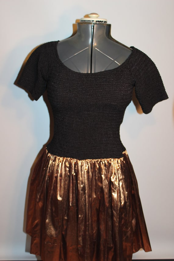 Vintage 80s Party Dress - Metallic Gold Skirt - Stretchy top - M/L