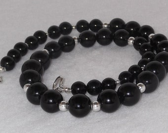 Graduated Black Onyx Necklace with Sterling Silver Accents - N52