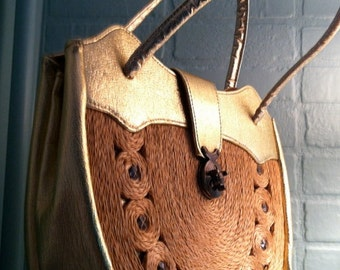vintage 60's handbag in straw and gold / bronze metal details
