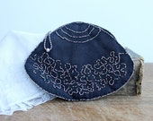 Vintage embroidery lady's pouch or coin purse