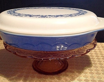 "Pyrex Divided Covered Casserole ""Blue Garland"""