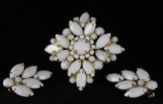 Vintage D&E Juliana Milk Glass Demi Parure Brooch Earring Set Sale 50.00