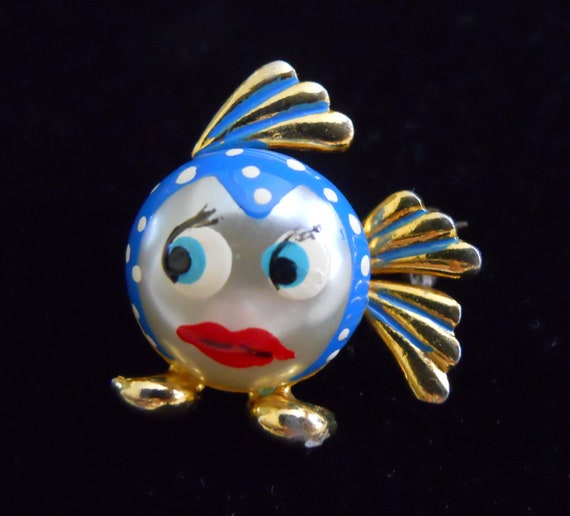 Who is Watching You. Adorable Fish Brooch from Spain.