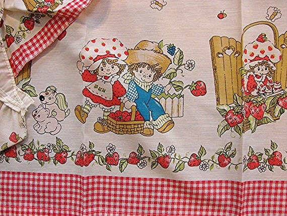 Vintage 1 set 1980s Strawberry Shortcake Curtains with Swag