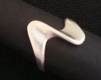Modern STERLING WAVE RING Cellini Modernist Abstract